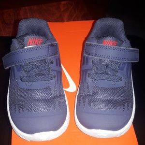 Nike Shoes - Nike star runner
